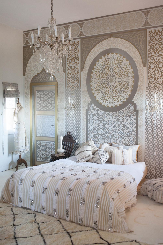 Moroccan Bedrooms Handiras And A Dreamy Tale Of Glamorous Moroccan Bedroom Ideas