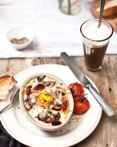 BAKED EGGS WITH SPINACH, MUSHROOMS, GOAT'S CHEESE + CHORIZO / What Katie Ate