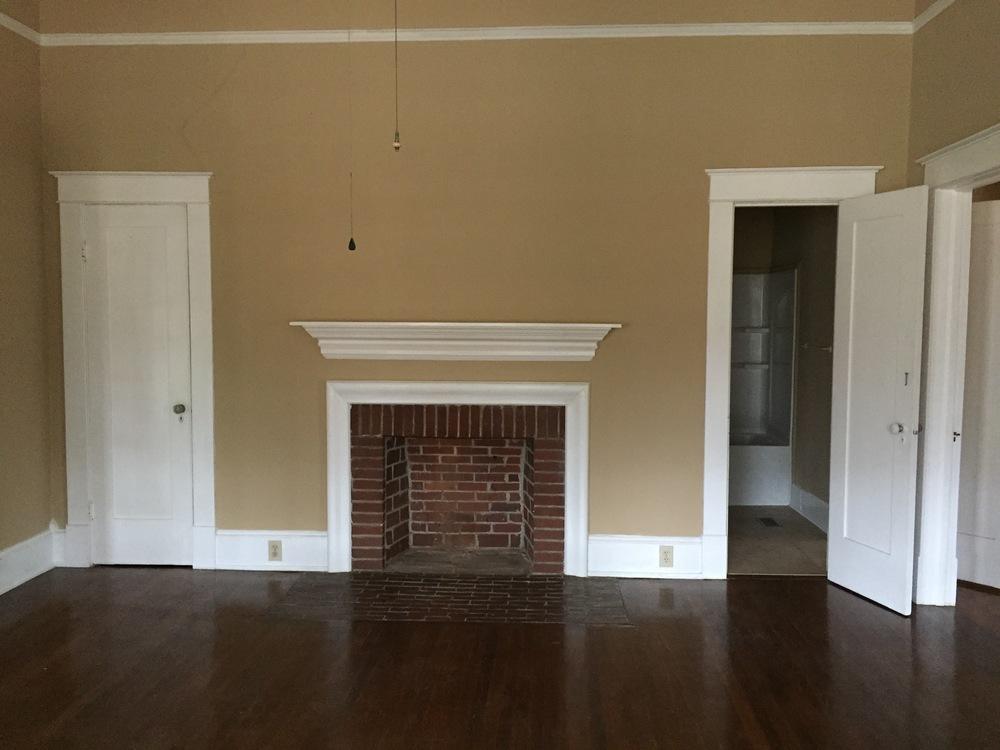 166 living room1.JPG