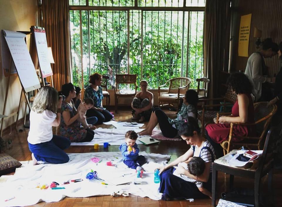 Foto de 2016, em um encontro do Coaching em Grupo para Mães da Rita Monte na Casa Cuore.