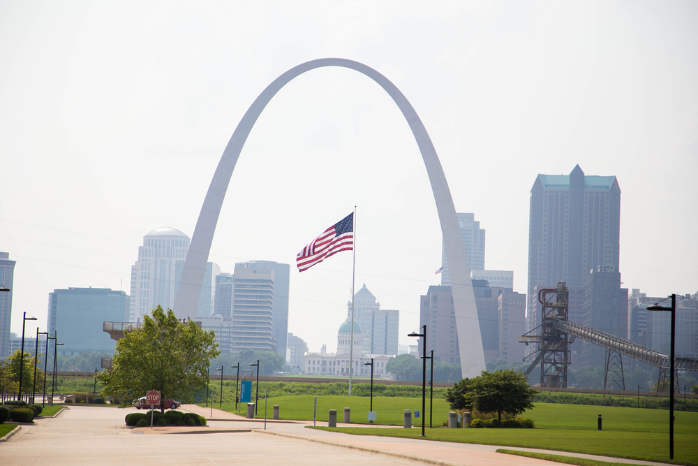 As we were driving away, we noticed how the flag set right in the middle of The Gateway Arch from the spot we were at!