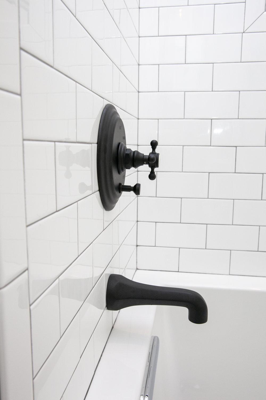 studioenviebathroom095.JPG