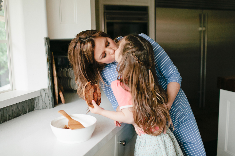 Tiffani Thiessen and daughter Harper / Photographed by Megan Welker