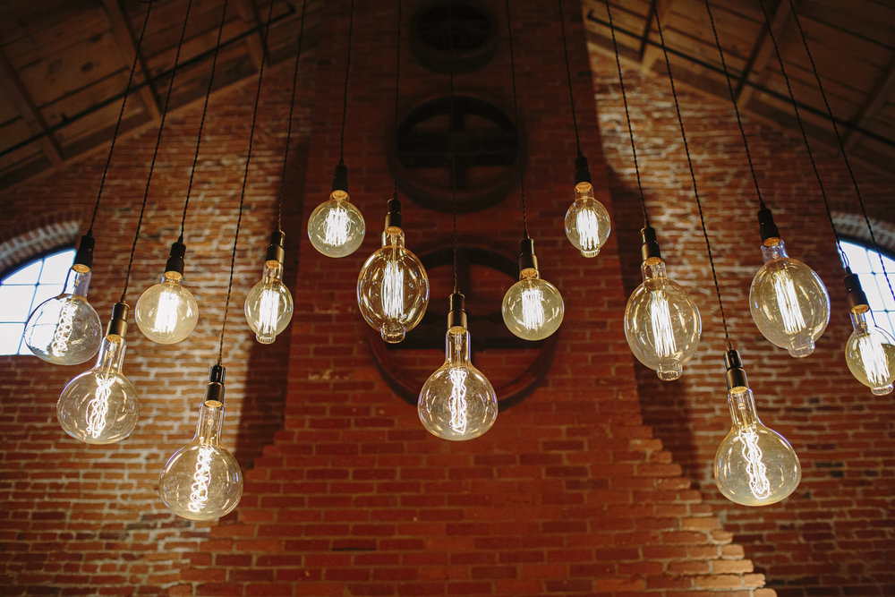 Suspended Edison Lamps