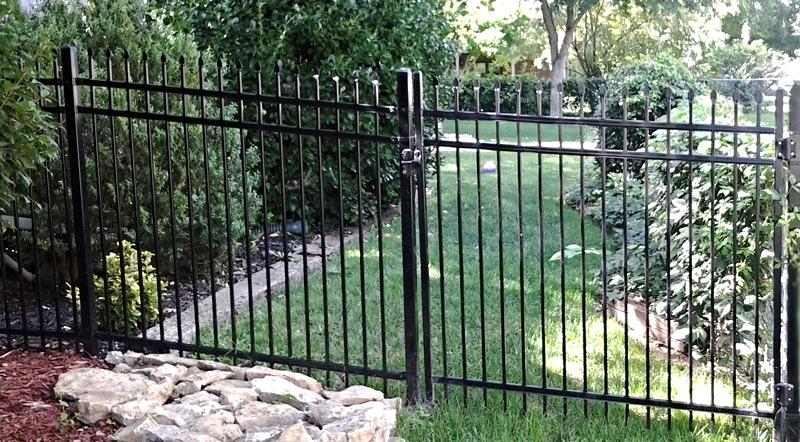 iron.fence.gate