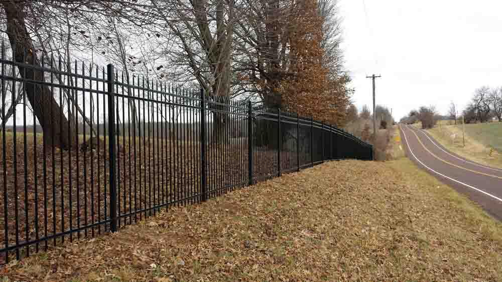 iron fencing - bernies fence company - kansas city mo.jpg