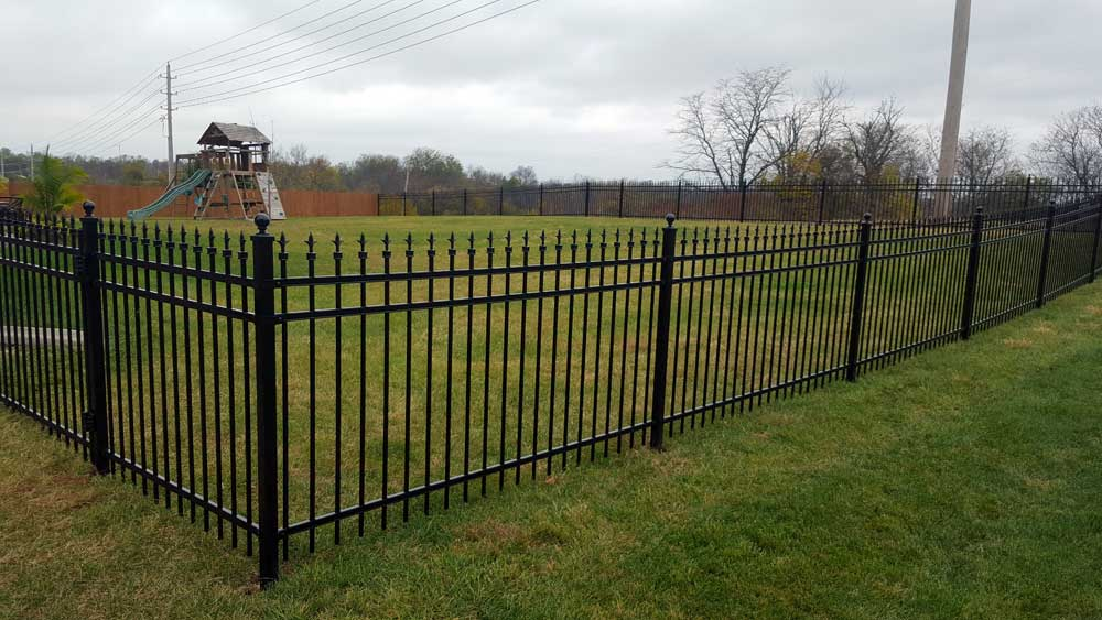 iron-picket-fencing-for-parks-or-homes.jpg