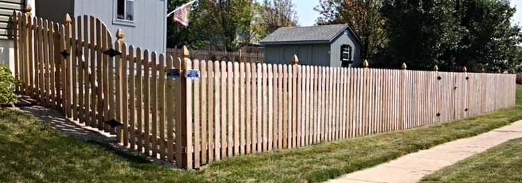 Curved+Gate+Wooden+Fence.jpg