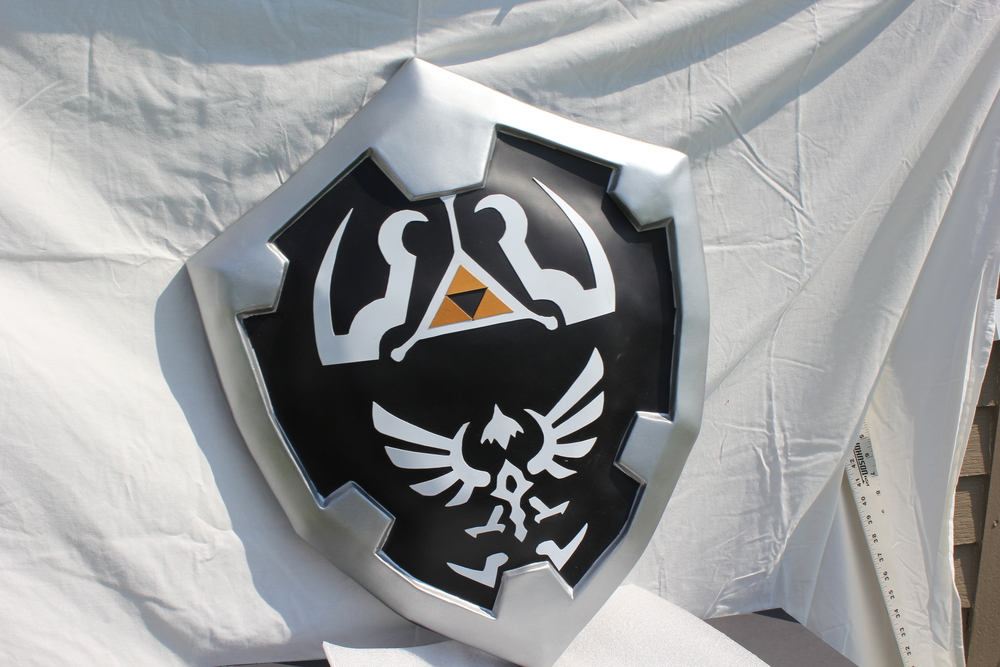 Dark_Link-Sheild-Painted-10.JPG