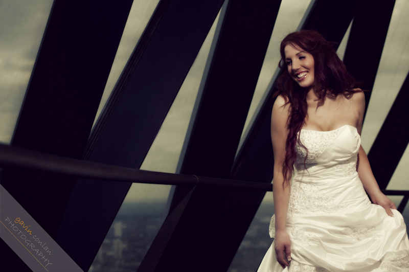 Bride-Bridal-Wedding-London_Bridal-London_Wedding-Romance-Gherkin-Millennium_Bridge-Portraits-www.gavinconlan.com-gavin_conlan-Portraiture-Essex_Photographer-London_Photographer-Weddings_at_Gherkin.-7523.jpg