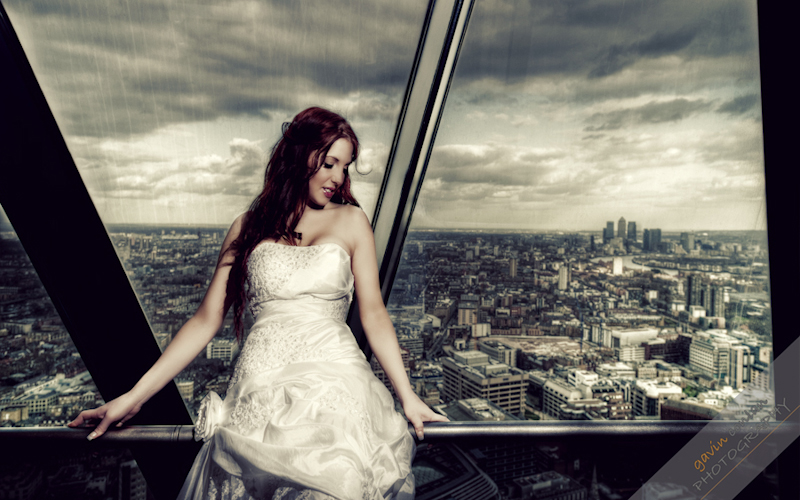 Bride-Bridal-Wedding-London_Bridal-London_Wedding-Romance-Gherkin-Millennium_Bridge-Portraits-www.gavinconlan.com-gavin_conlan-Portraiture-Essex_Photographer-London_Photographer-Weddings_at_Gherkin.-3.jpg