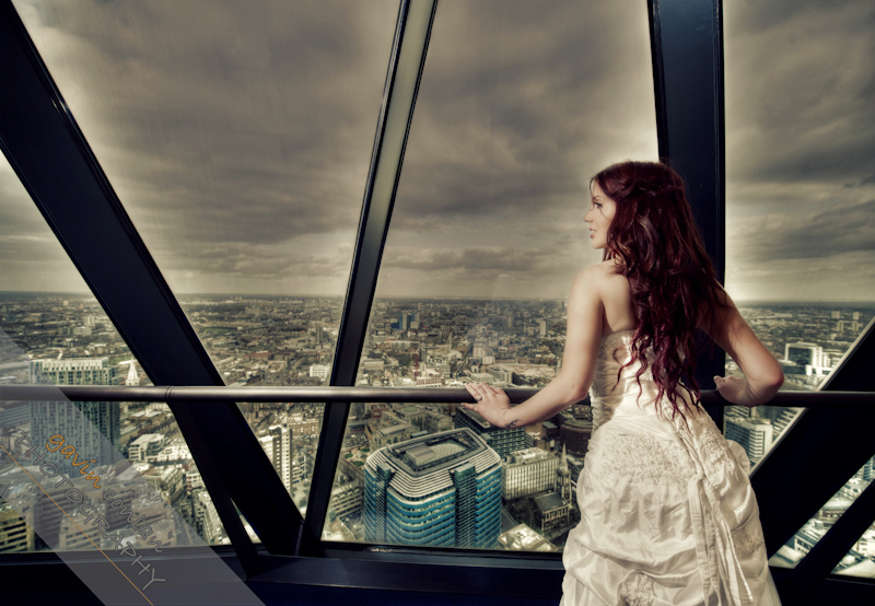Bride-Bridal-Wedding-London_Bridal-London_Wedding-Romance-Gherkin-Millennium_Bridge-Portraits-www.gavinconlan.com-gavin_conlan-Portraiture-Essex_Photographer-London_Photographer-Weddings_at_Gherkin.-7533.jpg