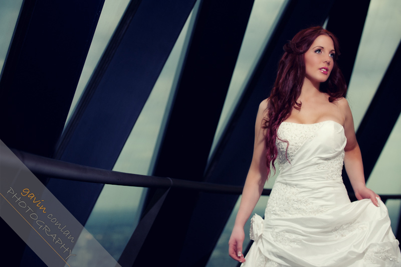 Bride-Bridal-Wedding-London_Bridal-London_Wedding-Romance-Gherkin-Millennium_Bridge-Portraits-www.gavinconlan.com-gavin_conlan-Portraiture-Essex_Photographer-London_Photographer-Weddings_at_Gherkin.-2-9.jpg