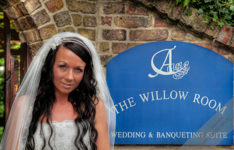 Ashwells_Wedding_Essex_Wedding_Photographer_gavinconlan_gavin_conlan_photography_Essex_Photography_Essex_Photographer-1877.jpg