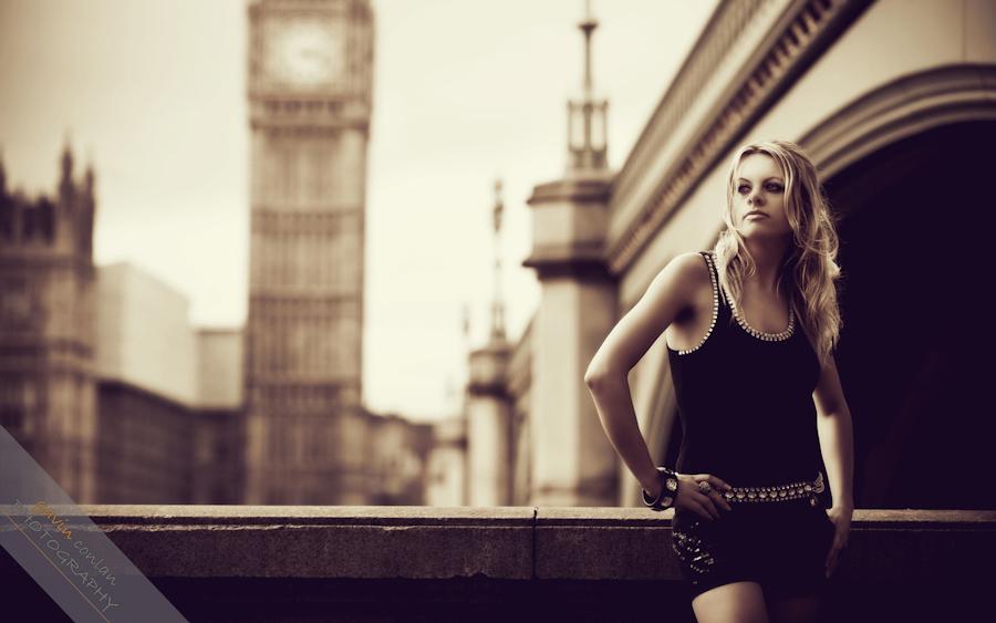 3.England-London-Engagement_Session-gavinconlan-Essex_Photographer-www.gavinconlan.com-London_Portraits-UK_Photographer-Longina.-15.jpg