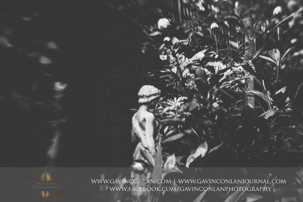 a garden statue photographed withthe Lensbaby Spark