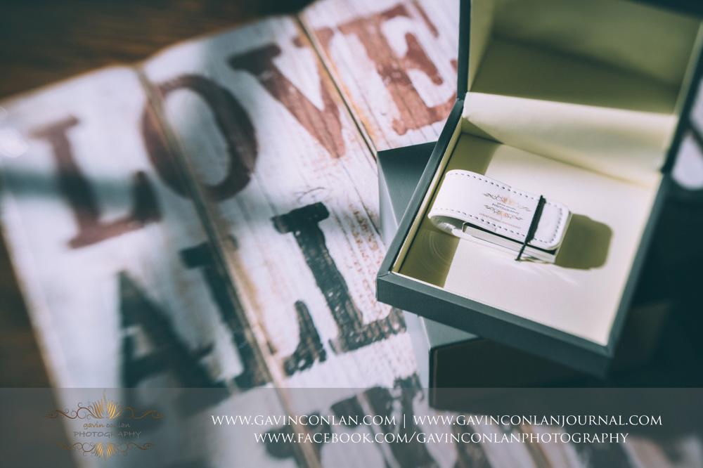 gavin conlan photography Ltd grey and ivory brandedcustom slide box showcasing the white leather branded USB drive