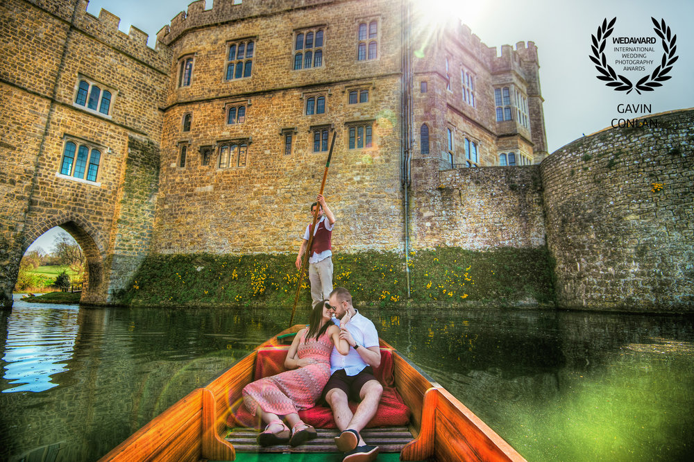destination-engagement-session-portrait-leeds-castle-kent-gavin-conlan-photography-wedaward