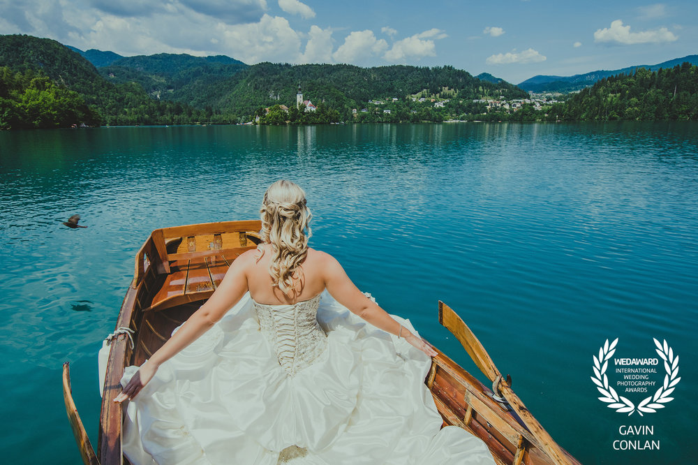 destination-wedding-portrait-lake-bled-slovenia-gavin-conlan-photography-wedaward-02