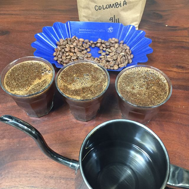 It's Thursday, cupping time, looking for the best.
