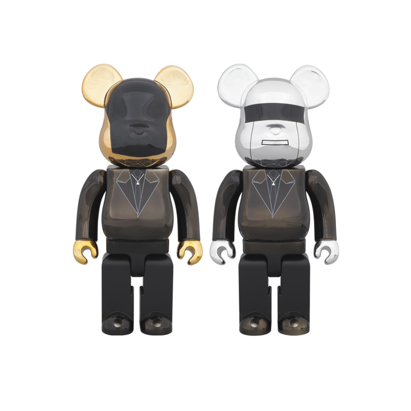 Featuring costumes from their Grammy-winning album Random Access Memories, the Daft Punk duo of Guy-Manuel de Homem-Christo and Thomas Bangalter are now in 400%BE@RBRICK form! Available now in-store & online.