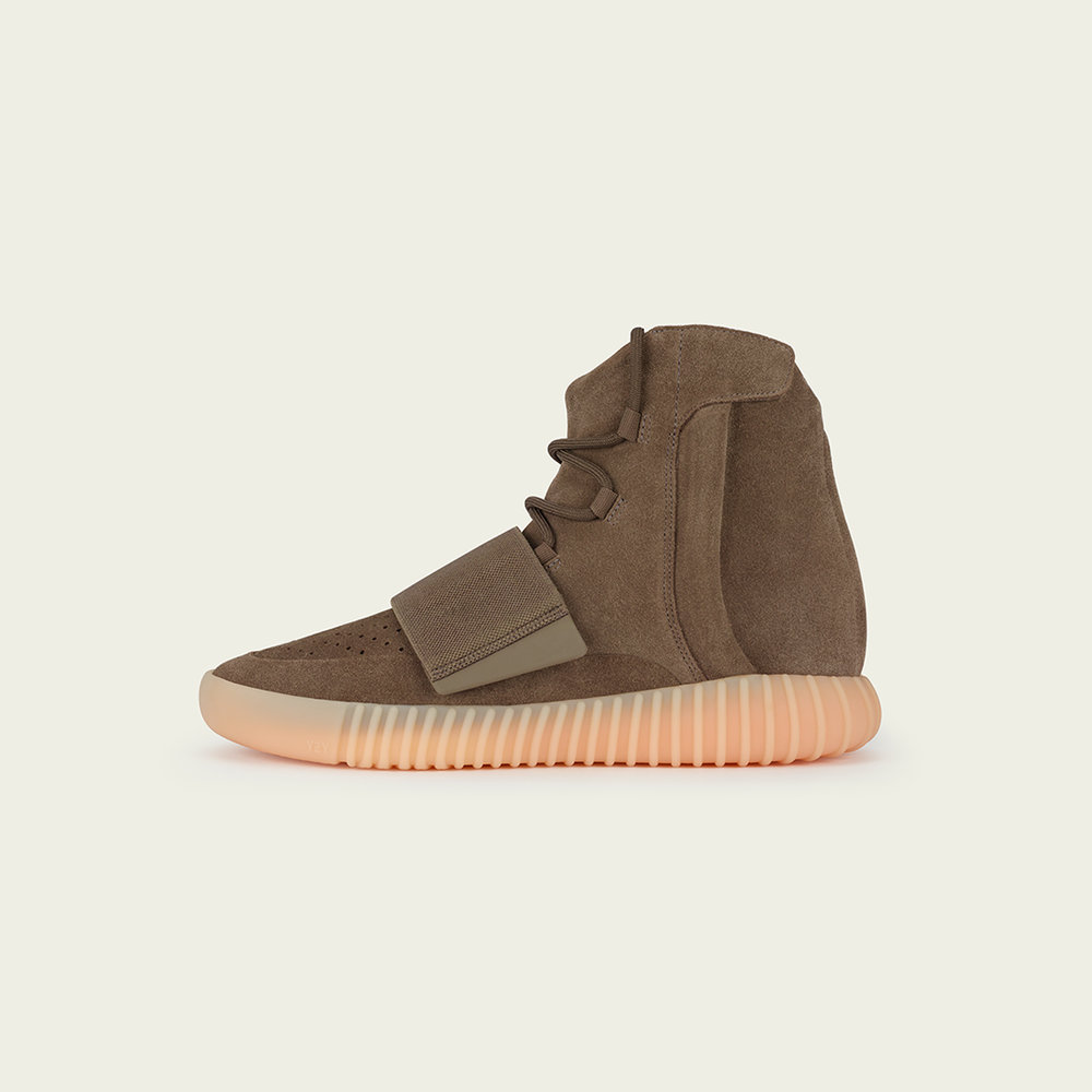 The YEEZY BOOST 75O in Light Brown will be releasing at ACD Gallery via in-store raffle. To enter, apply in-person at ACD Gallery starting Wednesday, Oct. 12th. The raffle will close at 6PM sharp Friday, Oct. 14th. All winners will be contacted via phone throughout the weekend to set a pick-up appointment for a later date.  A valid photo ID such as a Passport or Driver's license must be presented at time of pick-up. Only one entry allowed per person.