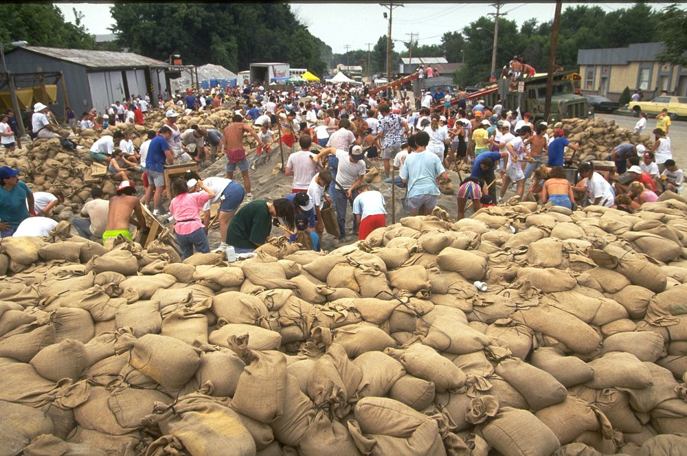 1993floodsandbags_FEMA.jpg