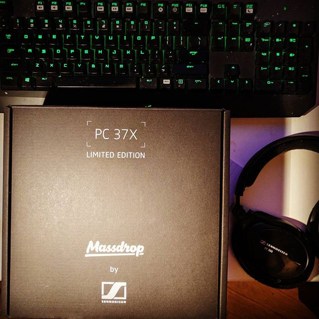 New headphones. I guess it's about time (7 years). #gaming #headset #massdrop #sennheiser