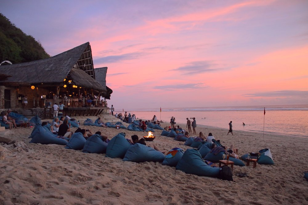 bali-sundays-beach-club-ungasan-uluwatu