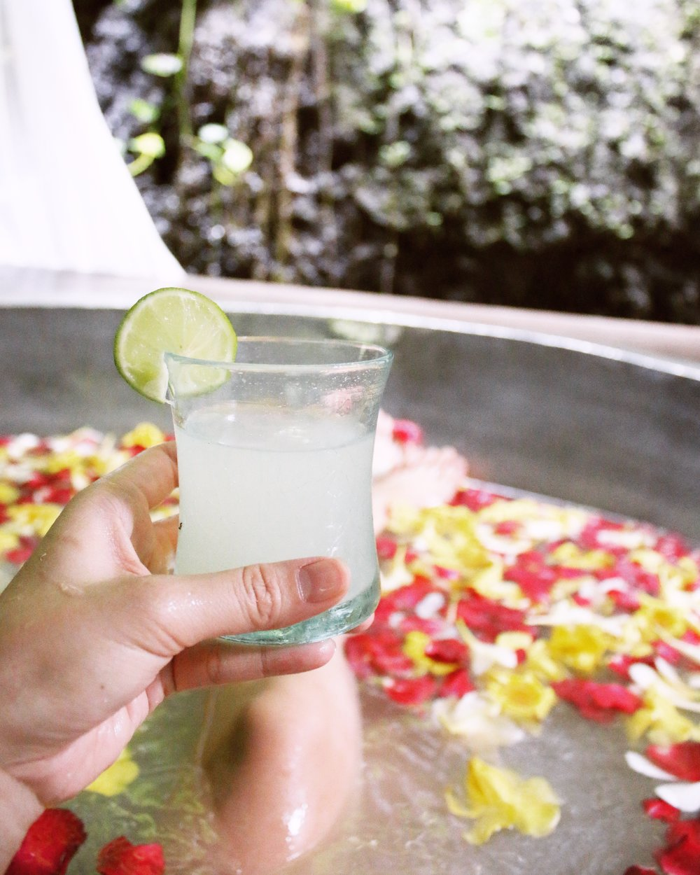 maya-ubud-balinese-massage-flower-bath