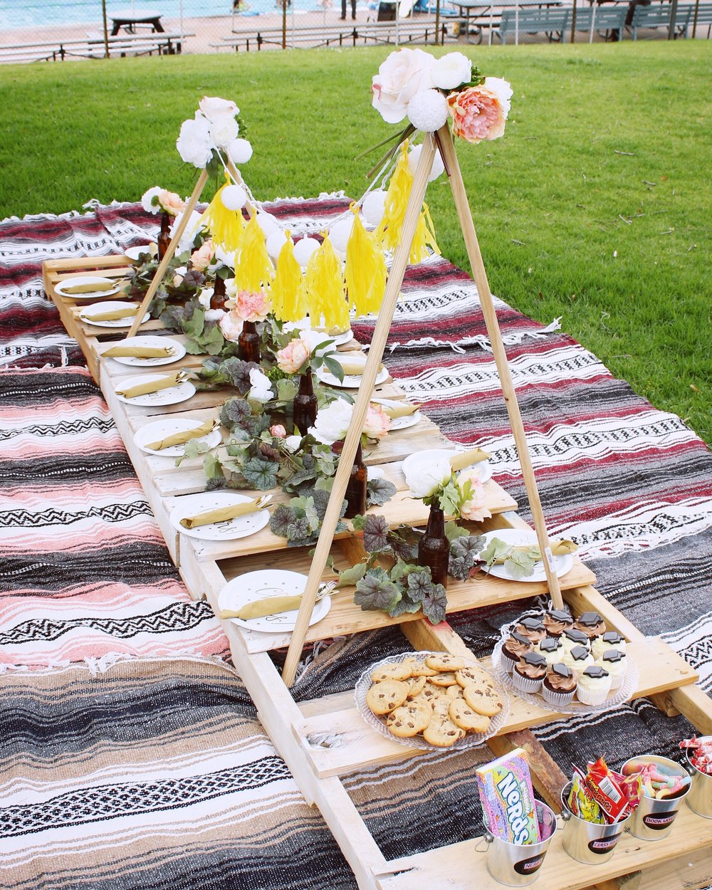 girlandtheword-boho-style-graduation-picnic-party-1