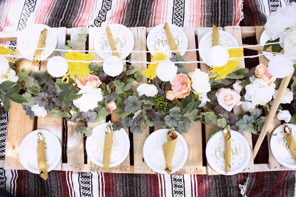 girlandtheword-boho-style-graduation-picnic-party-9