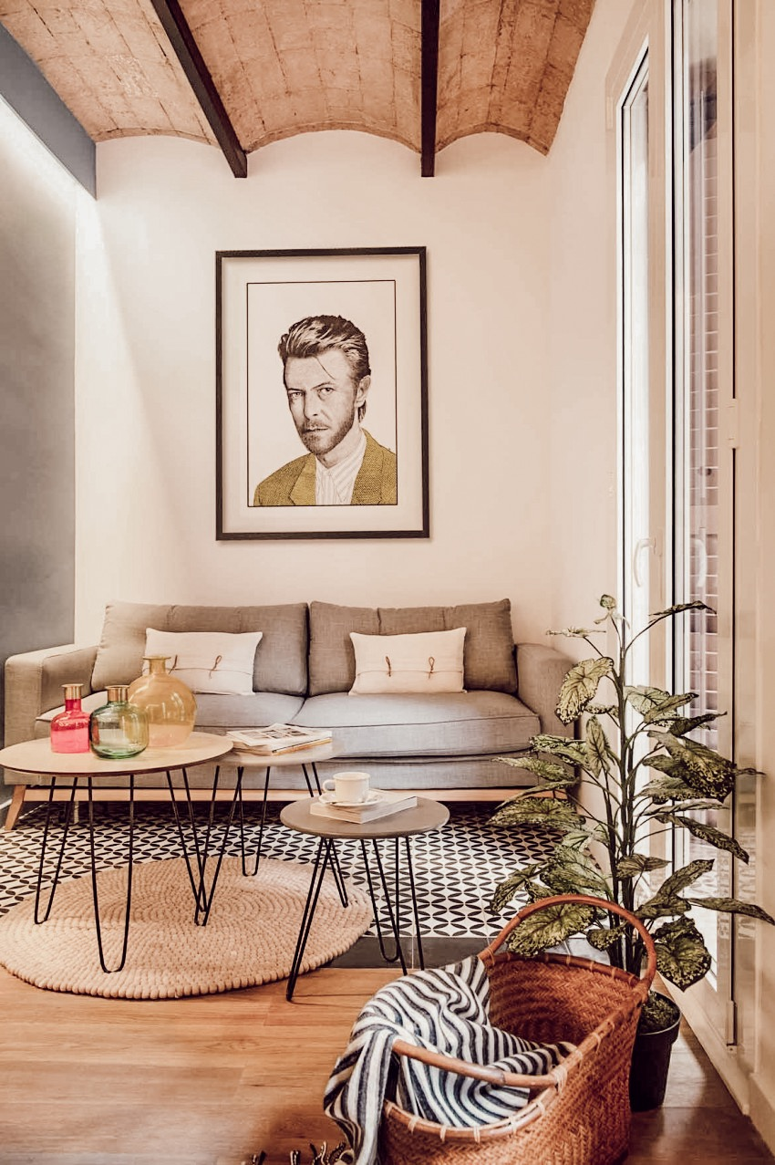 modern-apartment-felted-ball-carpet-brown-beige_1.JPG