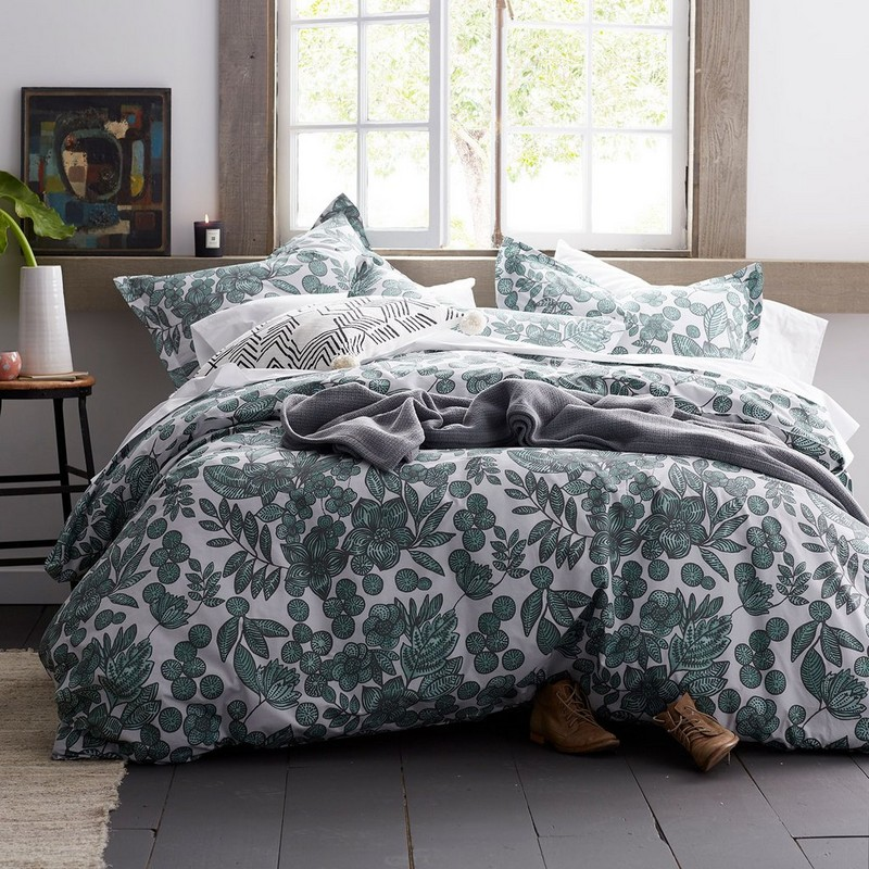 40091d_tropical_floral_duvet_web.jpeg