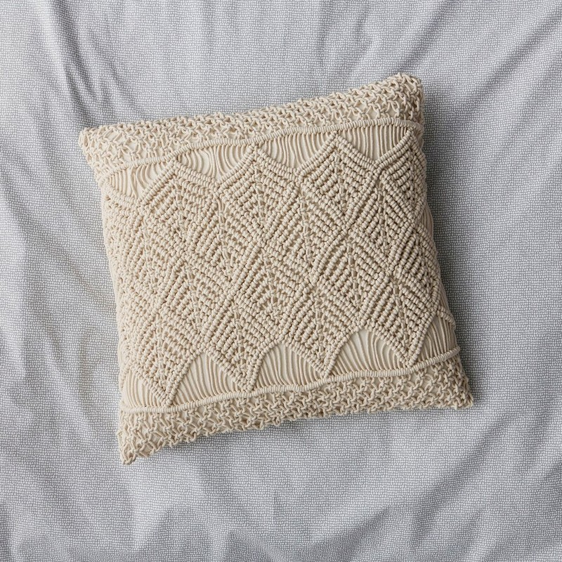 48003_macrame_pillow_c18.jpeg
