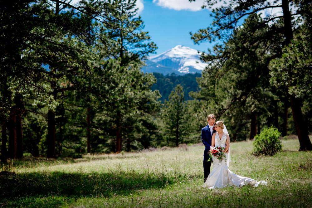 Della Terra Wedding -4.jpg