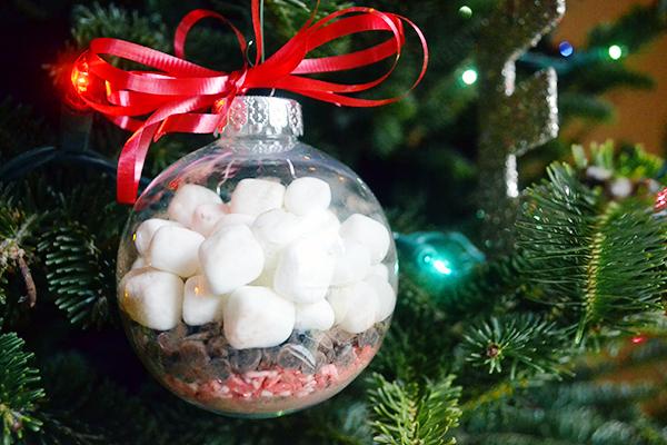 DIY hot chocolate ornament presents