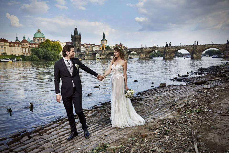 Amy + Michael @ Charles Bridge
