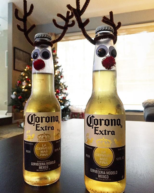 Be #merry!! Be #well, spend time with #family & #friends! #eat well and #drink well. #cheers! #corona #festive #coronabeer #holidays #holidayparty #holidaybeer #holidaybeers #drinkandfood #beer_goals #iconunited #nateabramowskiphotography #nateabramowski #color_vibe #color_fab #color_of_day #adventureisoutthere