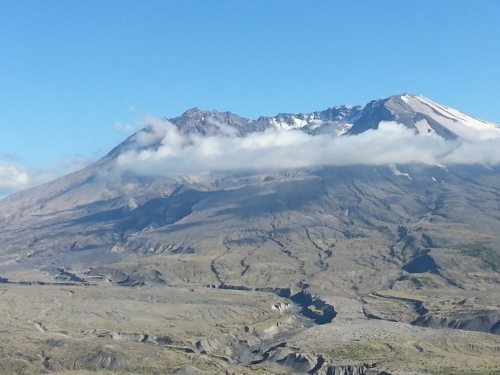 You can imagine the once-upon-a-time peak fitting atop Mt. St. Helens.
