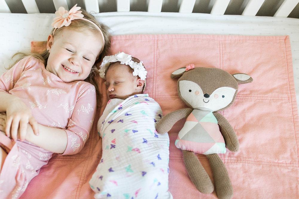 newborn blogs-19.jpg