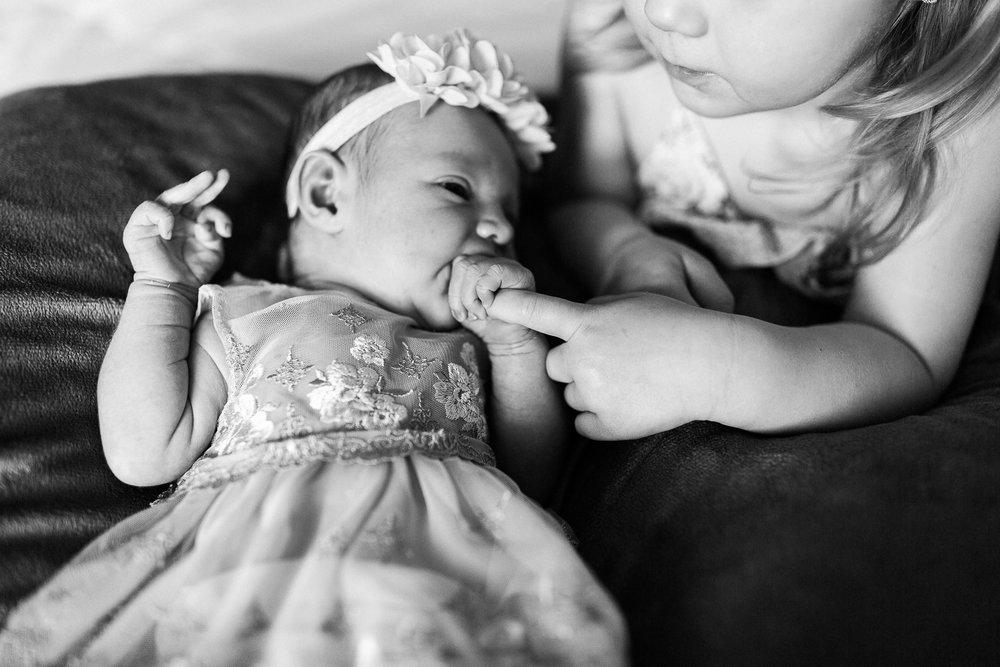 newborn blogs-27.jpg