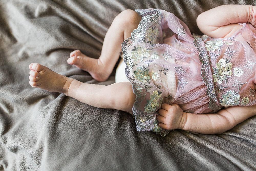 newborn blogs-28.jpg