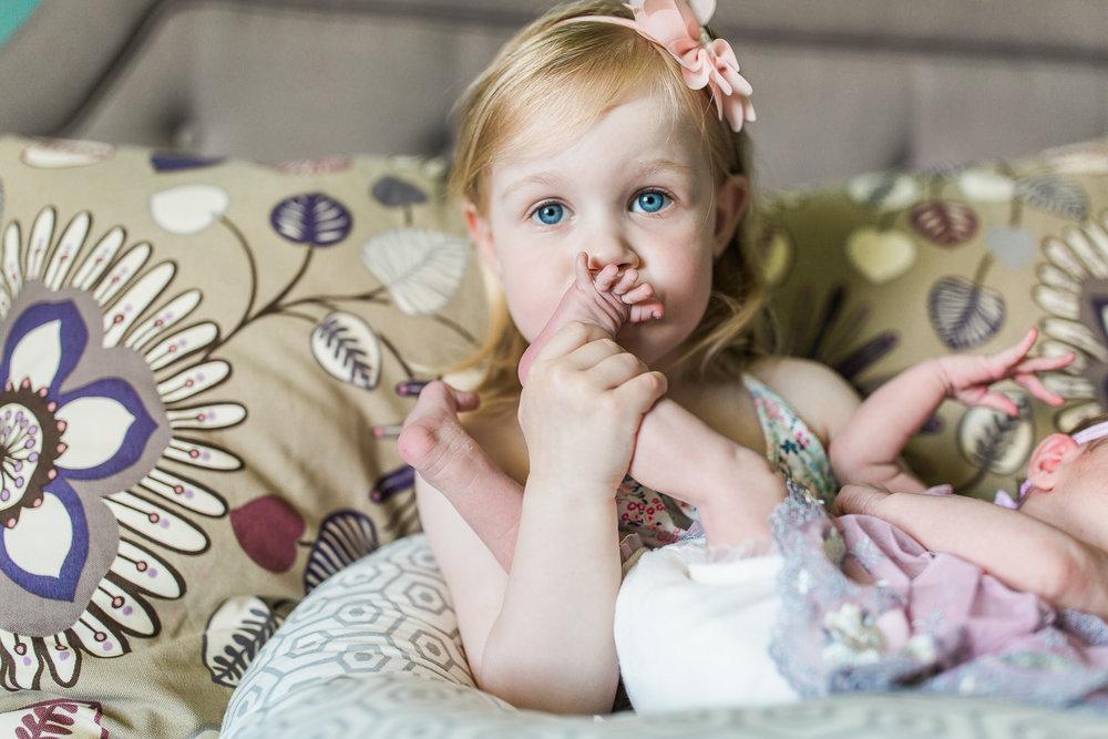 newborn blogs-35.jpg