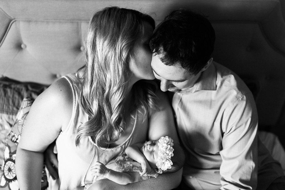 newborn blogs-36.jpg