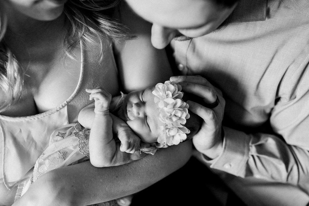 newborn blogs-39.jpg