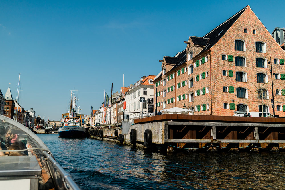 We are now getting into the part of the blog post where I was losing my marbles at how stunning this little harbour was. Welcome to the neighbourhood of Nyhavn!!