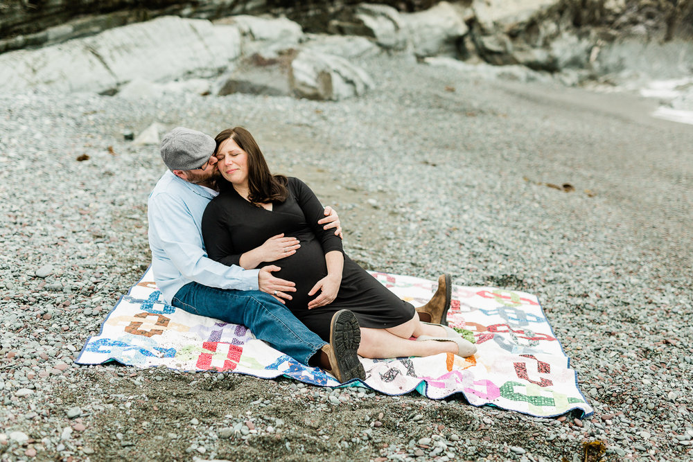 middle-cove-st-johns-maternity-photographer-5.jpg