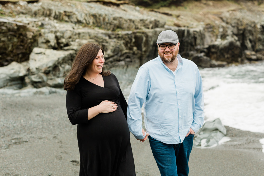 middle-cove-st-johns-maternity-photographer-11.jpg
