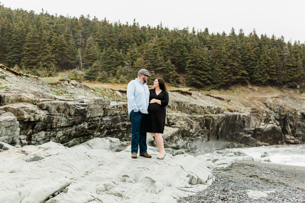 middle-cove-st-johns-maternity-photographer-13.jpg